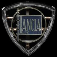 Logo Lancia Flaminia vorne senkrecht auf Kühlergrill (1957-1970)