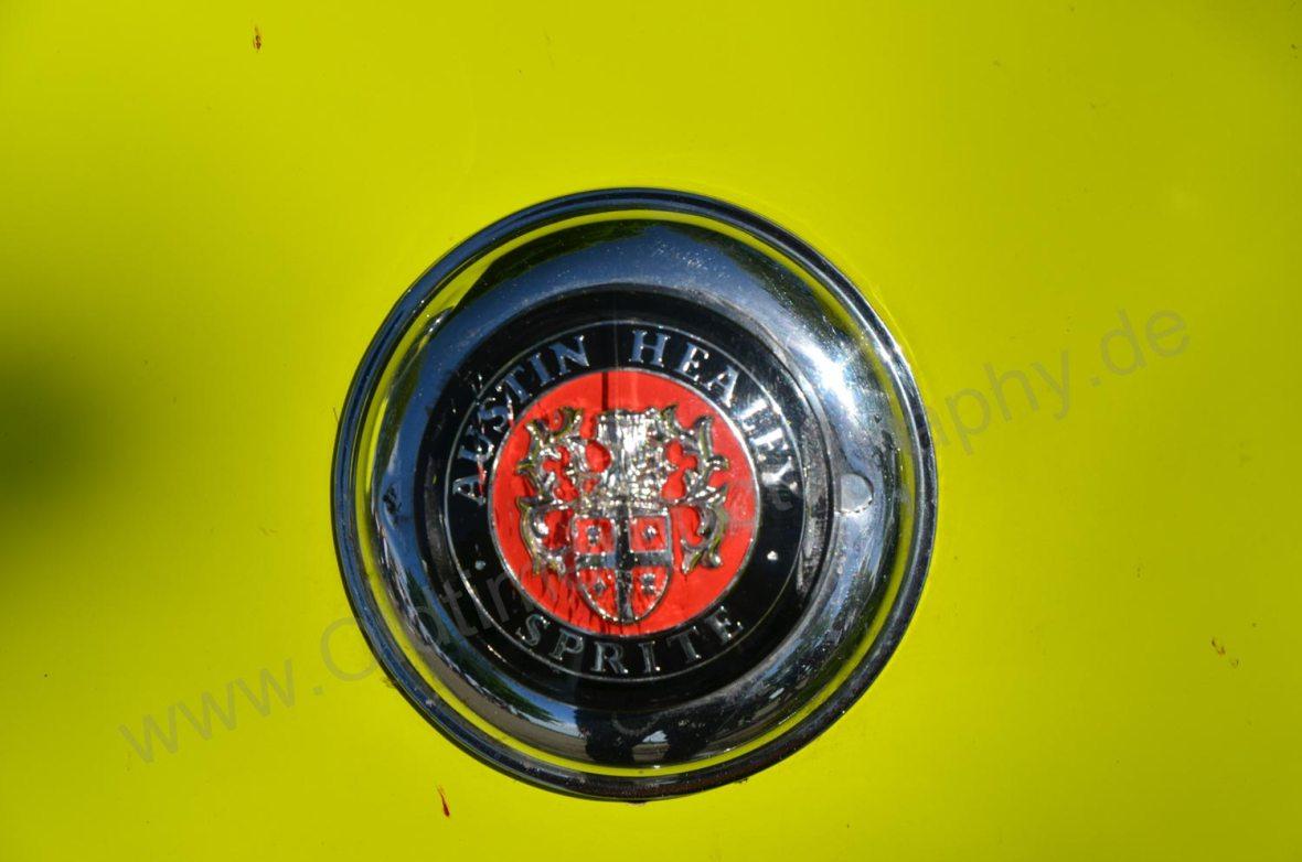 Triumph TR3mit Logo Austin-Healey Sprite auf Motorhaube
