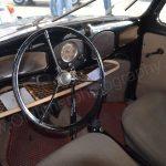 VW Käfer mit Brezel-Fenster Interieur