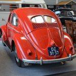 VW Käfer mit Brezel-Fenster