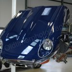 Jaguar E-Type Series III Roadster auf Hebebühne