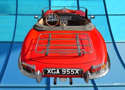 Jaguar E-Type Roadster Series I in red (original color)