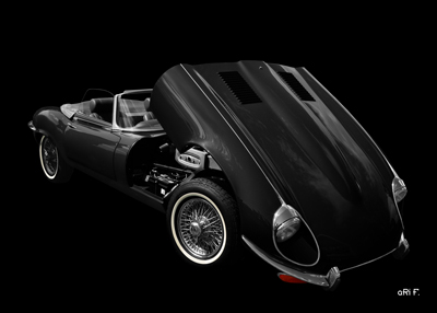 Jaguar E-Type Serie 3 Roadster in black & black opened