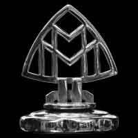Logo Maybach SW 38 Cabriolet auf dem Kühlergrill