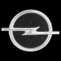Logo Opel Diplomat B auf dem Kühlergrill (1972-1977)