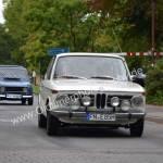 BMW 1802 und Renault 4 dahinter