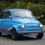 Fiat 500 bei der Einfahrt zum Oldtimertrffen im Strandbad Kressbronn