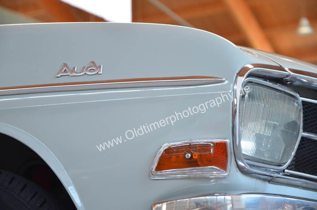 Audi F103 Variant Detailansicht auf Blinker