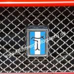 Logo De Tomaso on radiator grill