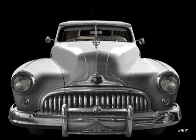 1947 Buick Super Convertible in black & silver front view