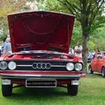 Audi 100 LS Frontansicht mit geöffneter Motorhaube Baujahr 1974