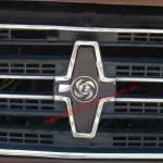 Innocenti Mini t mit Logo Leyland auf Kühlergrill