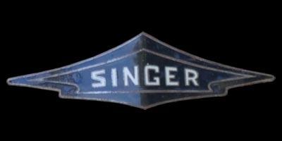 Logo Singer (Automobilhersteller) auf Bantam Saloon (1936-1939)