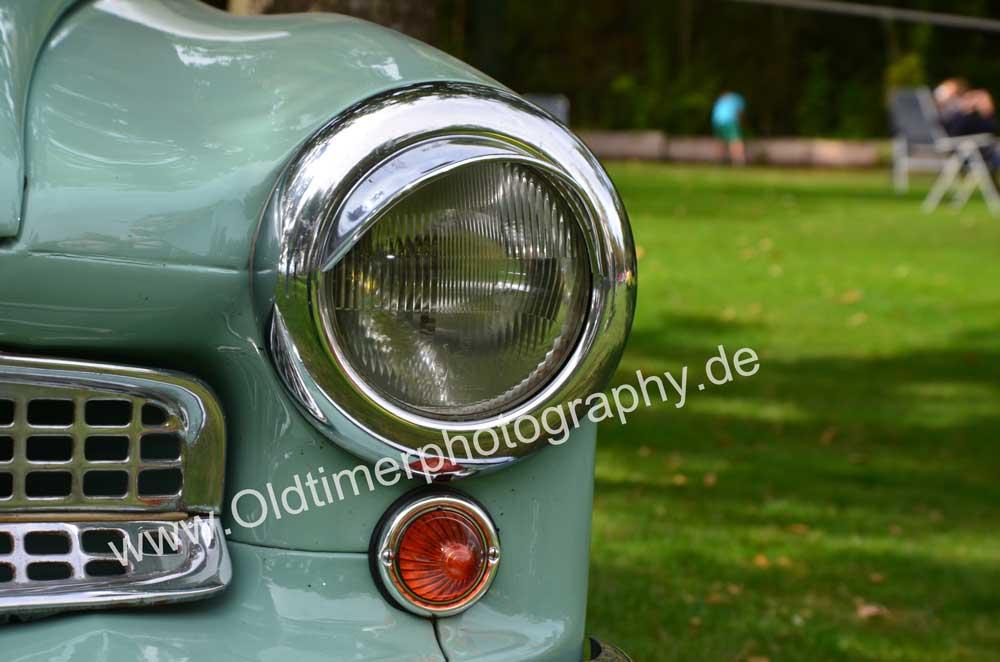 Wartburg 312 Frontdetail Scheinwerfer und Lampenschirm
