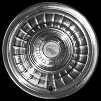 Logo Cadillac Serie 62 auf Radkappe, Baujahr 1959