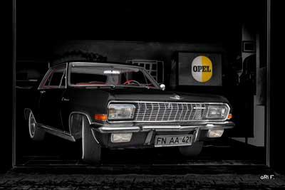 Opel Diplomat V8 Coupé Poster in black & black
