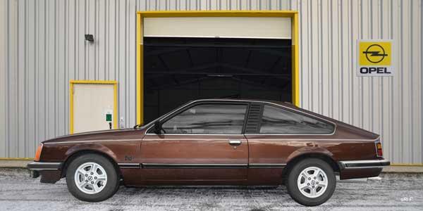 Opel Monza 3.0 E in Originalfarbe