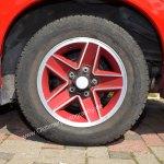 Chevrolet Camaro RS mit Original rotlackierten Camaro-Felgen gegen Aufpreis
