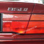 BMW 850i Heckansicht mit Schriftzuglogo 850i