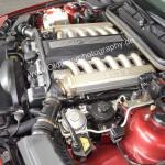 BMW 850i Motorraum mit 220 kW (300 PS) und 4988 cm³