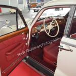 BMW 502 Interieur mit rotem Leder ausstaffiert