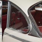 BMW 502 mit zu öffnendem Dreiecksfenster hinten