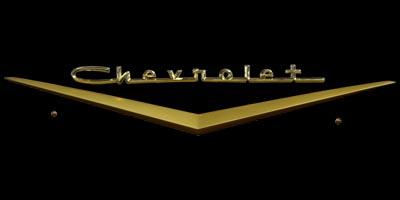Logo Chevrolet Bel Air 1957 auf Motorhaube