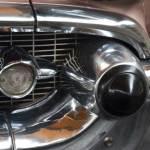 Chevrolet Bel Air 1957 Designelement im Zeichen des Düsenzeitalters auf Kühlergrill als gummierter Bumper