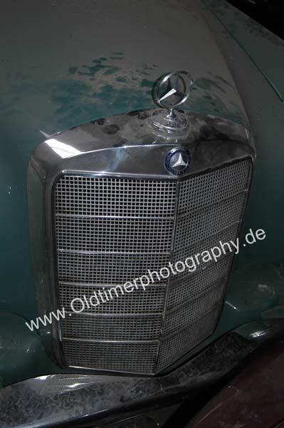 Mercedes-Benz 219 Kühlergrill