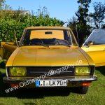 VW K70 mit gelben Folien auf den Scheinwerfern