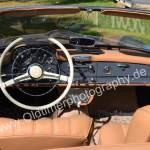Mercedes-Benz 190 SL Interieur mit braunem Leder ausstaffiert
