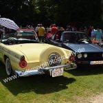 Ford Thunderbird auf einem Oldtimertreffen