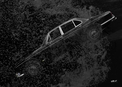 Jaguar XJ Serie 1 in black deep water Poster