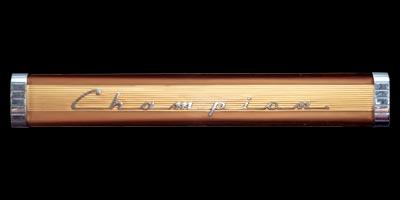 Logo Studebaker Champion auf Armaturentafel