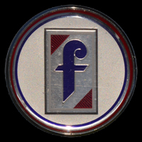 Logo Pininfarina auf Fiat Spider 2000