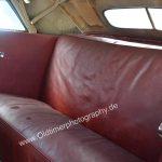 Studebaker Champion Detailansicht auf Rücksitz in rotem Leder