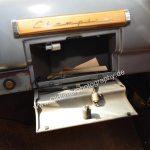 Studebaker Champion Interieur mit abschließbarem Handschuhfach