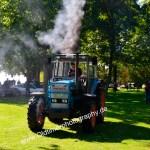 Eicher Traktor mit ein wenig Feinstaub für Fotoshooting...