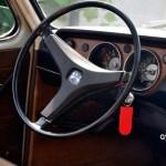 VW 411 Interieur und Armaturentafel mit echtem Holzdekor