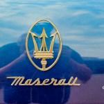Maserati Quattroporte IV mit goldenem Maserati Logo am Heck