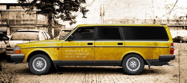 Volvo 240 Kombi Poster in antique yellow