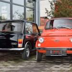 Mini 1000 Super von 1979 und Fiat Nuova 500 im Größenvergleich