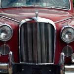 Jaguar Mark IX Frontansicht auf den wuchtigen Kühlergrill