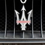 Maserati GranTurismo S mit 3-Zack Maserati-Logo im Kühlergrill