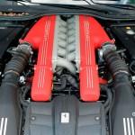 Ferrari F12 Berlinetta V12 Motor mit 740 PS