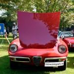 Alfa Romeo Spider coda tronca mit nach vorne geöffneter Motorhaube