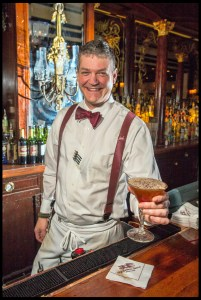 Bartender Bert Bacon at the Old Ebbitt Grill © Photo Chester Simpson