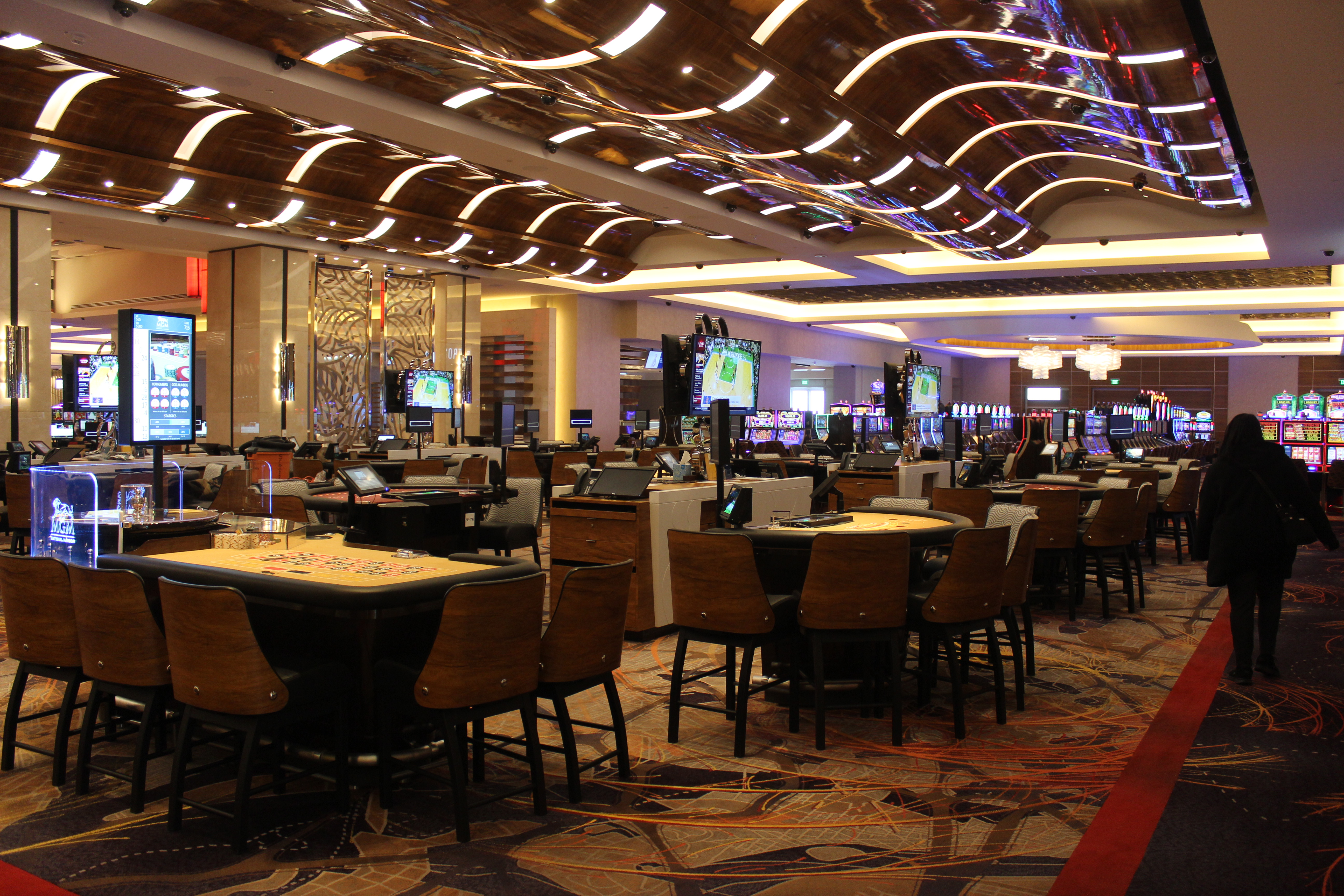 The MGM Casino and Resort – It's Grand!