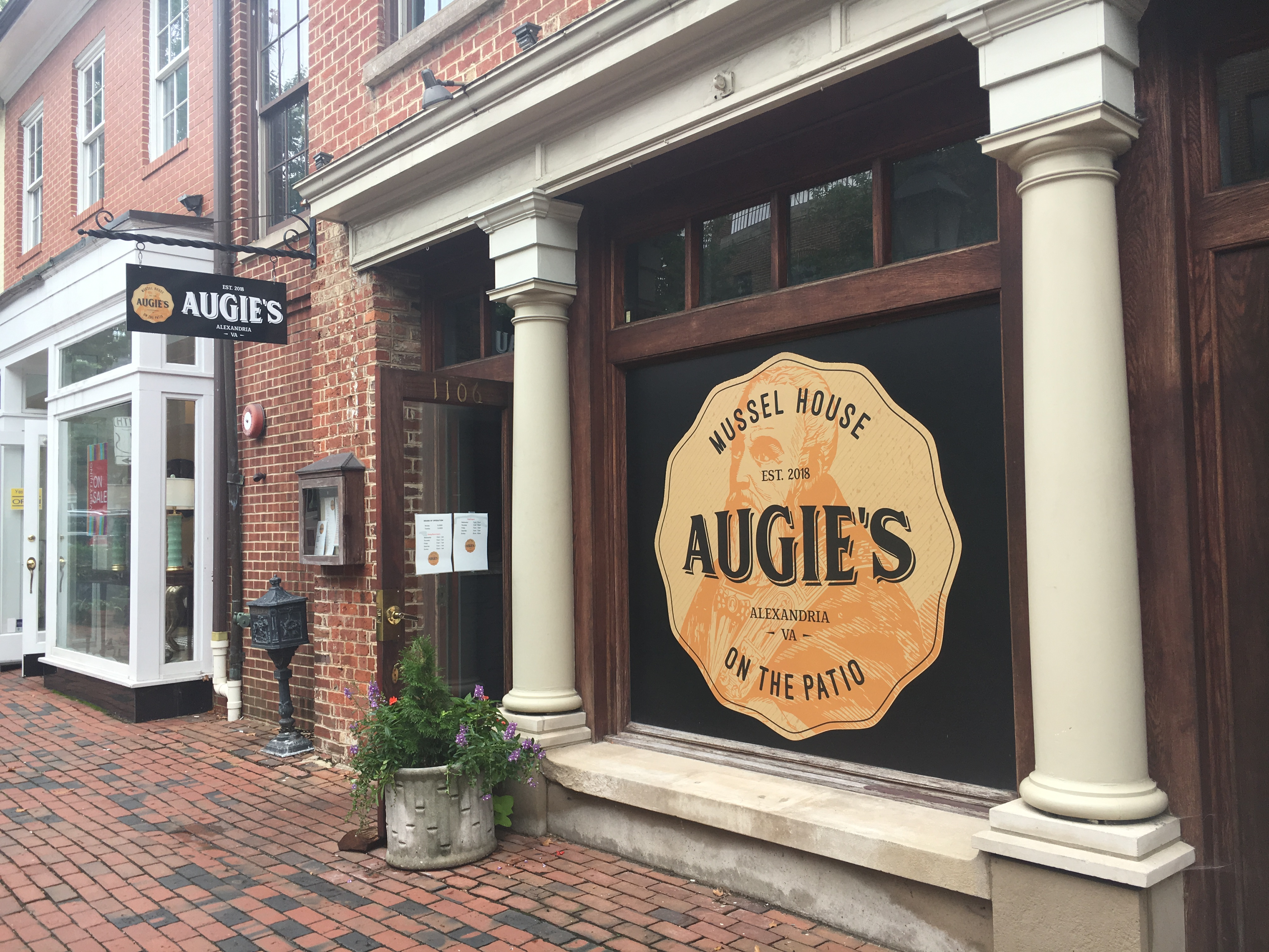 Augie's Mussel House