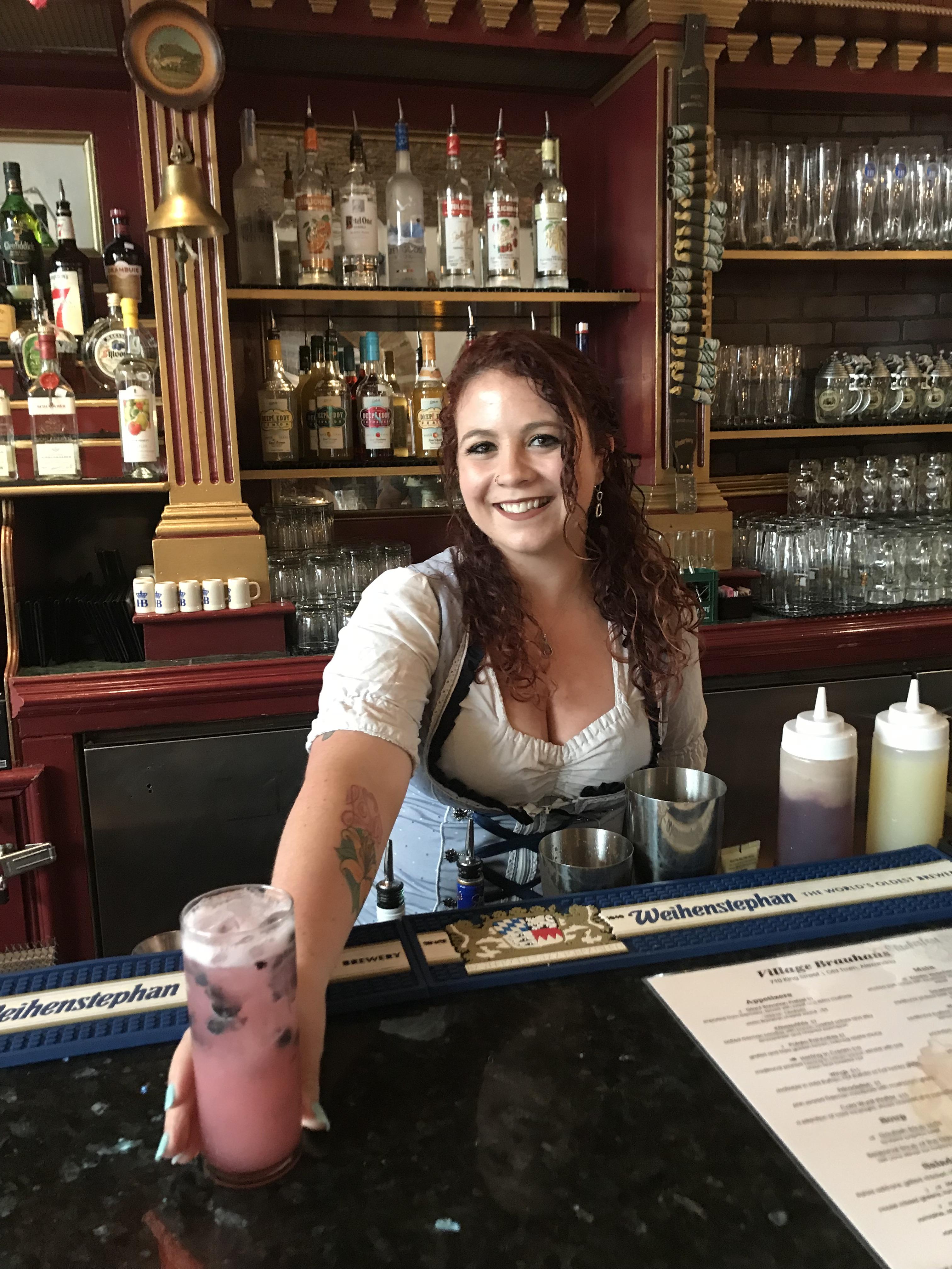 """Behind the Bar: Alyzabeth """"Lyz"""" Davis"""